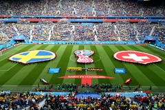 Blick ins Stadion von St. Petersburg (Bild: Zurab Kurtsikidze / EPA)