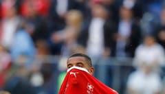 Enttäuschung bei Manuel Akanji nach dem Match (Bild: Efrem Lukatsky / AP)