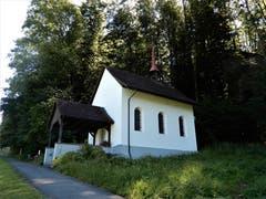 Auf dem Wanderweg von Sachseln in Richtung Flüeli kommt man an dieser, schön gepflegten Lourdeskapelle vorbei. (Bild: Margrith Imhof-Röthlin)