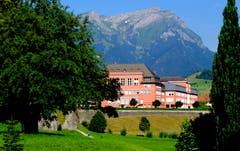 Kollegium St. Fidelis in Stans - kurz vor Beginn der Sommerferien. (Bild: Sepp Bernasconi)