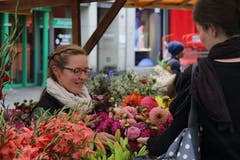 Auswahl der Blumen für einen individuellen Strauss.