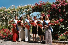 Die Aspirantinen aufs Rosenköniginen-Amt von 2004