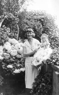 Nelly Grange: Rosenkönigin von 1932