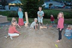 Die kleinsten Besucher des Gähwiler Festes freuten sich am meisten über den angelegten Sandhaufen und den Kinderspielplatz gleich daneben.