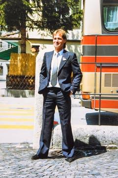 """Blacky in seiner """"Uniform"""" als ziviler Bundesangestellter und Divisionärs-Chauffer. (Bild: Michel Canonica/Privatarchiv Beat Cina)"""