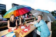 1. Augustfeier Menzingen: Man trotzt dem Regen. (Bild: Stefan Kaiser/ZZ)