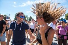Tanzen, dass die Haare fliegen.(Bild: Eveline Beerkircher)