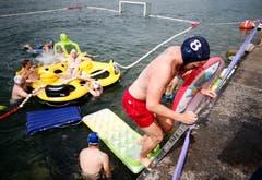 Zuger Schwimmfest 2018 im Zugersee bei der Rössliwiese. (Bild: Stefan Kaiser (Zug, 11. August 2018))