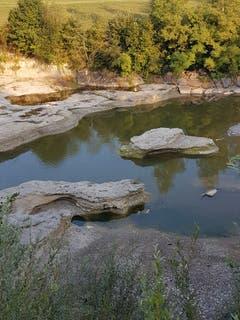 Wasser formte dieses Gestein bei Schwarzenbach. (Bild: Reto Schlegel)