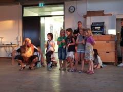 Auf dem Campus Sursee tanzen und singen die Kinder. (Bild: Natascha Savanovic)
