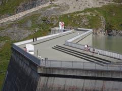 Staudamm Grande Dixence. Kurz vor Betriebsende der Seilbahn. (Bild: Josef Müller)
