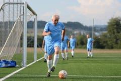 Der Fussball hält sie fit für die Enkel. (Bild: Maria Schmid (Zug, 22. August 2018))