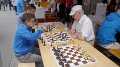 Herausfordernde Tätigkeit bei der Präsentation des Schachclubs Buchs.