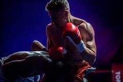 Boxing Night der World Boxing Federation in der Bodensee-Arena Kreuzlingen. Meisterschaftskampf von Zino Meuli aus Horn gegen Tsiko Mulovhedzi aus Südafrika. Zino Meuli gewinnt gegen den Favoriten. (Bild: Andrea Stalder)