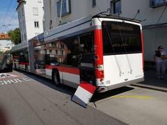 Der VBSG-Bus wurde bei der Kollision beschädigt. (Bild: VBSG)
