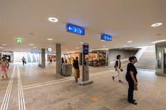 Wichtigste Neuerung im Hauptbahnhof ist vermutlich die Sanierung der Rathausunterführung, die heute erheblich heller und freundlicher als vor den Bauarbeiten ist. (Bild: Hanspeter Schiess - 29. August 2018)