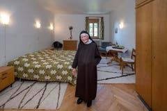 Schwester Maria in einem Zimmer des Frauenklosters St. Anna. (Bild: Pius Amrein (Luzern, 31. Juli 2018))