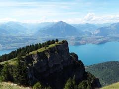 Ausblick auf dem Niederhorn auf die Landschaft. (Bild: Bruno Ringgenberg, 29. August 2018)