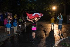 Bis spät in die Nacht wurden die Teilnehmerinnen und Teilnehmer angefeuert.