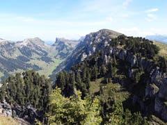 Ausblick auf die Bergwelt auf dem Niederhorn ob Beatenberg, Berner Oberland. (Bild: Bruno Ringgenberg, 29. August 2018)