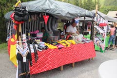 Am Markt am Älplerwunschkonzert dürfen auch Produkte mit dem Uristier nicht fehlen. (Foto: Paul Gwerder, 6. August 2018)