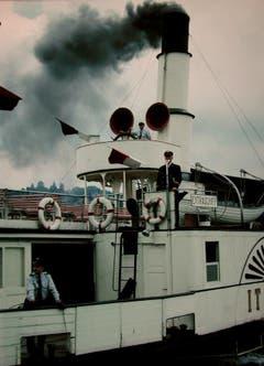 SGV-Kapitän Georg Huber kommandierte nicht nur das Dampfschiff Wilhelm Tell. Hier steht er auf der Kommandobrücke des Dampfschiffs Italia. Bild: Archiv luzerner.dampfschiff.ch