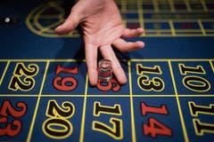 Anfänger setzten beim American Roulette auf Schwarz oder Rot, Profis auf ausgeklügelte Kombinationen.