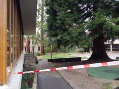 Die Polizei sperrte das Gelände ab. (Bild: Roman Hodel)