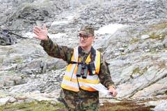 Adjudant Unteroffizier Hanspeter Schuler ist verantwortlich für die Koordination und die Durchführung von Aufräumaktionen auf Schiessplätzen und Zielgebieten. (Bild: Philipp Zurfluh, Realp, 9. August 2018)