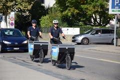 Der Hausdienst der Stadt ist schon länger mit Cargo-Bikes unterwegs. Diese haben eine Kiste als Laderaum, in welchen die Waren transportiert werden können. (Bild: Nicola Ryser)