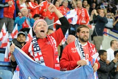 Schweizer Fans im King Power Stadion in Leicester, England. (Bild: AP Photo/ Rui Vieira)