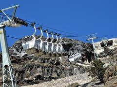 Was für eine technische Höchstleistung auf der Insel Santorini! Als Schrittzähler-Inhaberingeht man trotzdem zu Fuss, das ist halt eben ein «Muss». (Bild: Margrith Imhof-Röthlin (Insel Santorini, 11. September 2018))