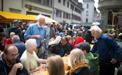 Das Sufo war immer auch eine Plattform für Begegnungen und Austausch - gerade auch über Mittag im informellen Rahmen. (Bild: Peer Füglistaller - 30. Mai 2015)