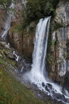 Die Seerenbachfälle in Weesen. Die mittlere Kaskade ist der dritthöchste Wasserfall der Schweiz (Bild: Toni Sieber)