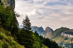 Vier Wanderziele auf einen Blick. (Bild: Luciano Pau)