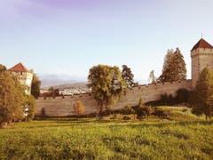Herbststimmung an der Musegg-Mauer. (Bild: Larisa Gheorghe (Luzern, 23. September 2018))