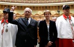 Am 22. September 2010 wurde Schneider-Ammann (FDP) zusammen mit Simonetta Sommaruga (SP) vereidigt.