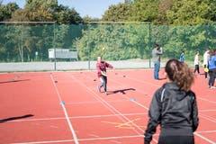 Neben den Wettkämpfen konnte die Kinder auch Sportarten wie Street Racket ausprobieren. (Bild: Roger Grütter (Sursee, 25. September 2018))