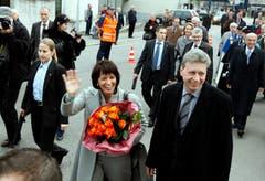 Doris Leuthard und ihr Ehemann Roland Haus bei ihrer Ankunft zum offiziellen Empfang des Kantons Aargau. (Bild: Urs Flüeler (Aarau, 3.Dezember 2009))