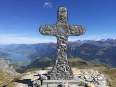 Auf dem Mändli (2060 m) mit toller Aussicht auf die Berge und den Sarnersee. (Bild: Urs Gutfleisch (Mändli, 26. September 2018))