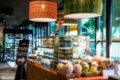 In einem Shop vor Ort können Produkte des Tropenhauses Wolhusen gekauft werden. (Bild: Nadia Schärli, 27. September 2018)