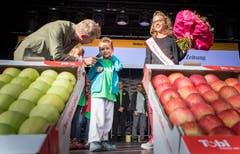 Wahl der Apfelkönigin 2018/19. Die neue Apfelkönigin heisst Melanie Maurer und kommt aus Sulgen. Bild: Andrea Stalder