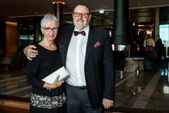 Der Schriftsteller und Journalist Romano Cuonz genoss den Eröffnungsabend mit seiner Frau Ruth. (Bild: Philipp Schmidli, 28. September 2018)