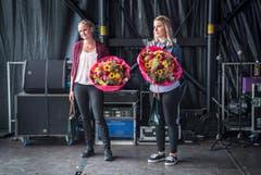 Zweit- und Drittplatzierte Teilnehmerinnen. Die neue Apfelkönigin heisst Melanie Maurer und kommt aus Sulgen. Bild: Andrea Stalder