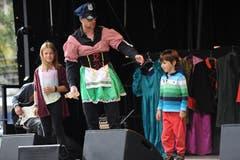 Beim Theater «Prinzessin Sturmfrisur» konnten die Kinder mitmachen. (Bild: Urs Hanhart (Altdorf, 29. September 2018)
