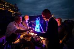 Den Gästen wird Kaviar serviert. (Bild: Philipp Schmidli, 28. September 2018)