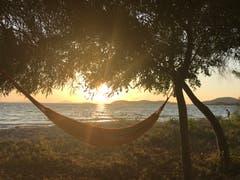 Warum nicht einmal den Sonnenuntergang aus der Hängematte geniessen? (Bild: Helene Gosswiler (Igoumenitsa, Griechenland, 4. September 2018))