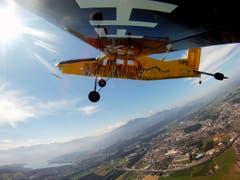 Die Modellfluggruppe Luzern zeigt ihr Können während einem Training. (Bild: Philipp Schmidli (Emmen, 16. Juli 2011))