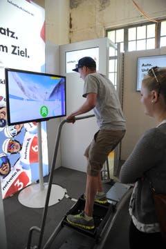Slalom-Simulator am Stand der Helvetia. (Bild: Urs Hanhart, Altdorf, 9. September 2018)