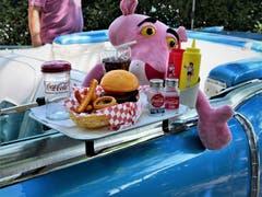 Happy Meal mit Pink Panther, auf dem Bürkliplatz in Zürich. (Bild: Kurt Ulrich)
